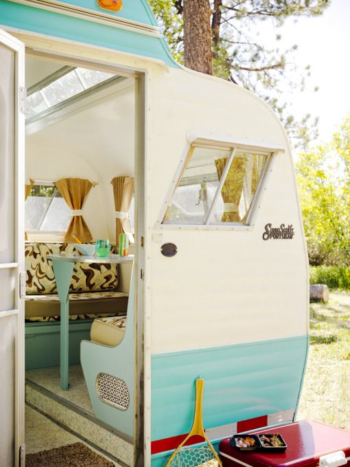 Little vintage camper